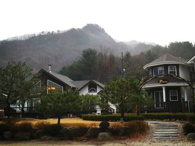 別荘地に定住する。(別荘地に新築する。中古別荘を購入しリノベーションする。)