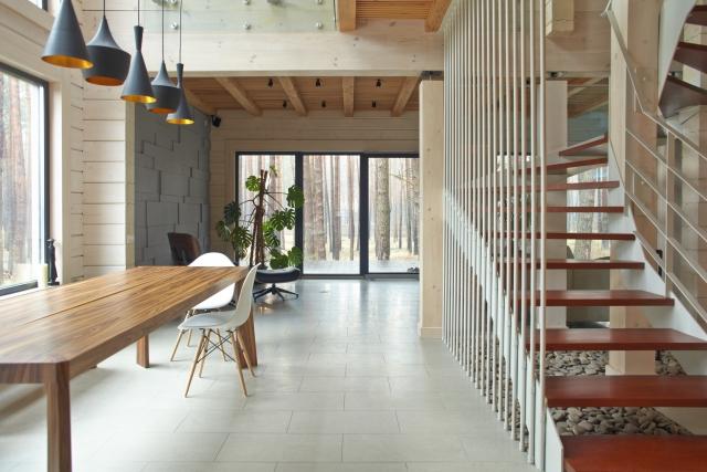 【仕事用の別荘】買うべきか、建てるべきか?