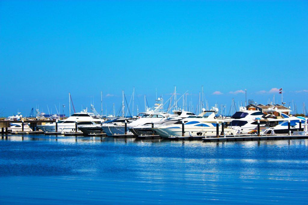水の上で暮らす~日本で船上生活は可能か?
